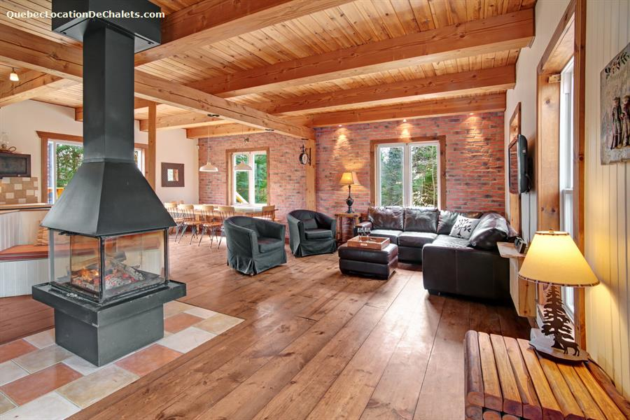 Cottage rentals in morin heights vacation rentals morin for Laurentian mountains cabin rental