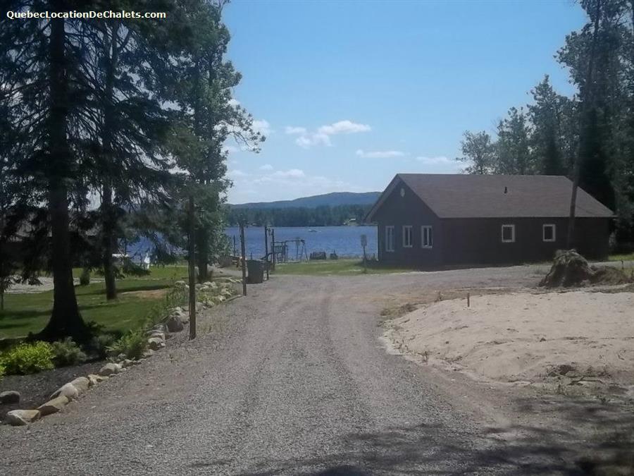 chalet à louer Saguenay-Lac-St-Jean, Lac-Kénogami (pic-4)