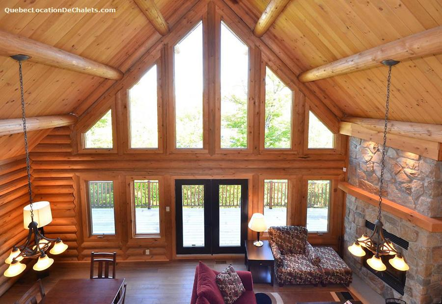 Cottage rental qu bec laurentides mont tremblant quiet for Laurentian mountains cabin rental