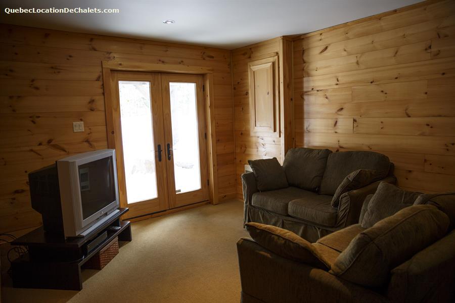 Chalet louer laurentides lac sup rieur log cabin mont for Meuble branchaud mont tremblant