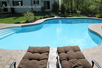 Chalet louer estrie cantons de l 39 est bromont la villa for Club piscine granby qc