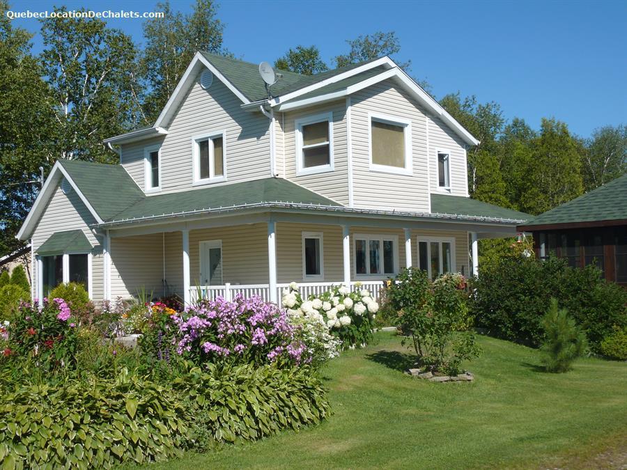 chalet à louer Saguenay-Lac-St-Jean, Saint-Henri-de-Taillon (pic-1)