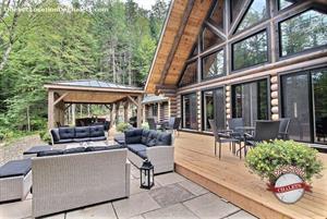 Cottage rental | LE NERBERT CHIC LOG CABIN*