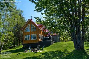 waterfront cottage rentals Saint-Claude, Estrie/Cantons-de-l'est