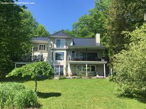 Cottage rental | Prestigious house on Brome Lake