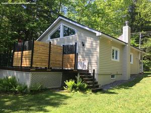 Cottage rental | Quaint house on Brome Lake