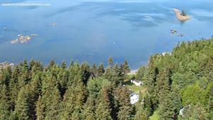 chalets bord de l'eau riverains Métis-sur-Mer, Gaspésie