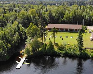 waterfront cottage rentals Lac-Saguay, Laurentides