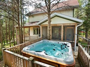 Cottage rental | Cottage ARS-680 with hot tub