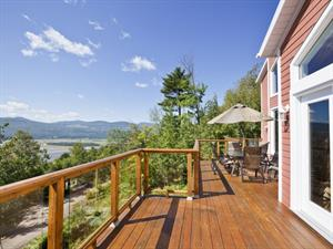 Cottage rental | House PEU-14 with view and hot tub