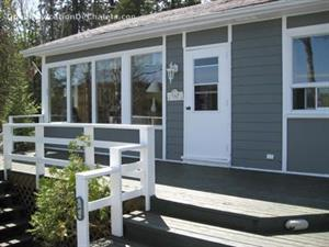 waterfront cottage rentals Saint-David-De-Falardeau, Saguenay-Lac-St-Jean