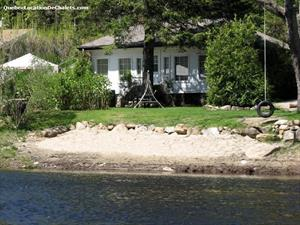 waterfront cottage rentals Sainte-Béatrix, Lanaudière