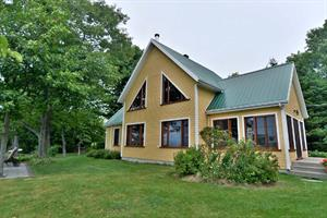 waterfront cottage rentals Montmagny, Chaudière Appalaches