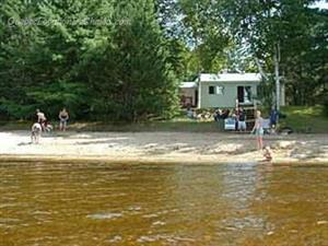 waterfront cottage rentals Nominingue, Laurentides