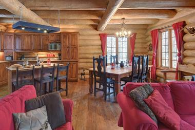 Cottage rental | Le Solitude 2 bedroom with spa Mont Tremblant
