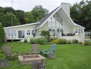 waterfront cottage rentals Coaticook, Estrie/Cantons-de-l'est