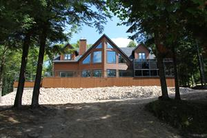 waterfront cottage rentals Lac Simon, Outaouais