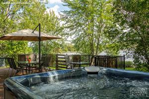 waterfront cottage rentals Trois Lacs, Estrie/Cantons-de-l'est