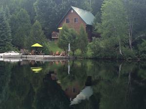 waterfront cottage rentals La Minerve, Laurentides