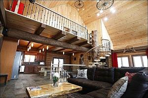 Cottage rental | (6447) Rustic Elegant Chalet, Hot Tub