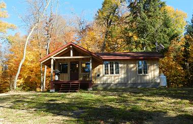 waterfront cottage rentals Lac-Du-Cerf, Laurentides