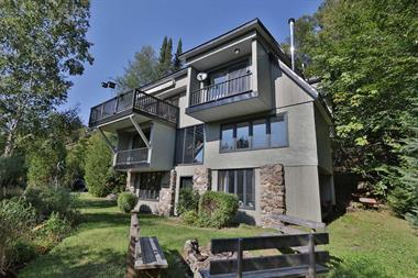 waterfront cottage rentals Sainte-Lucie-des-Laurentides, Laurentides