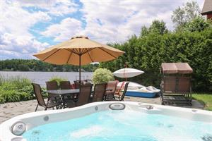 cottage rentals with last minute deals Windsor, Estrie/Cantons-de-l'est