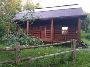 chalets en bois rond Eastman, Estrie/Cantons-de-l'est