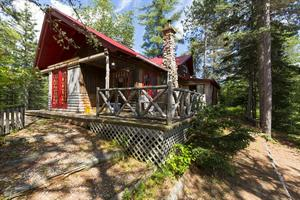 waterfront cottage rentals Saint-Urbain, Charlevoix